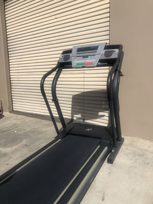 Treadmill-Caminadora for Sale in Bell Gardens, CA