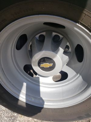 2016 Chevy steel wheels and plastic caps, NO TIRES for Sale in Medley, FL