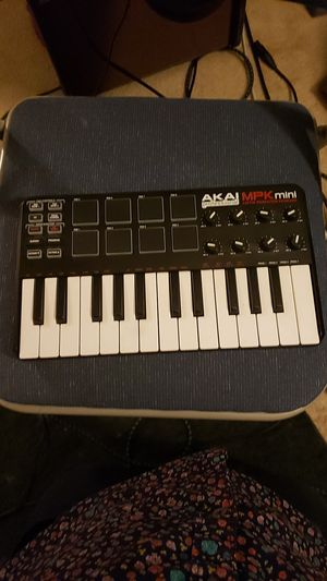 Akai professional mpk mini for Sale in Citrus Heights, CA