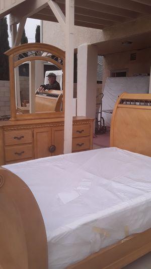 Bedroom set for Sale in Garden Grove, CA
