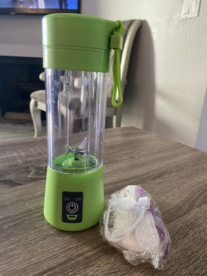 Portable smoothie blender*** comes in all colors*** for Sale in La Habra, CA