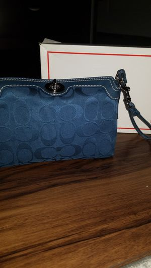Coach Clutch for Sale in Los Angeles, CA