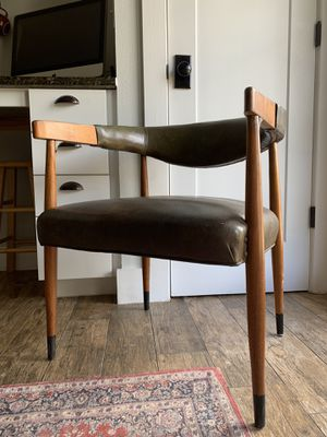 Vintage chair for Sale in San Marcos, TX