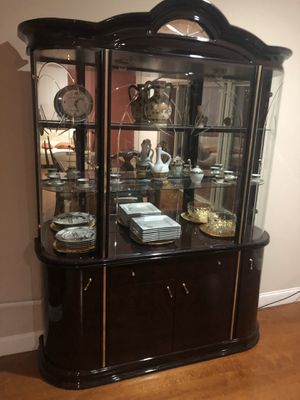 China Cabinet FREE FREE! for Sale in Franklin Park, IL