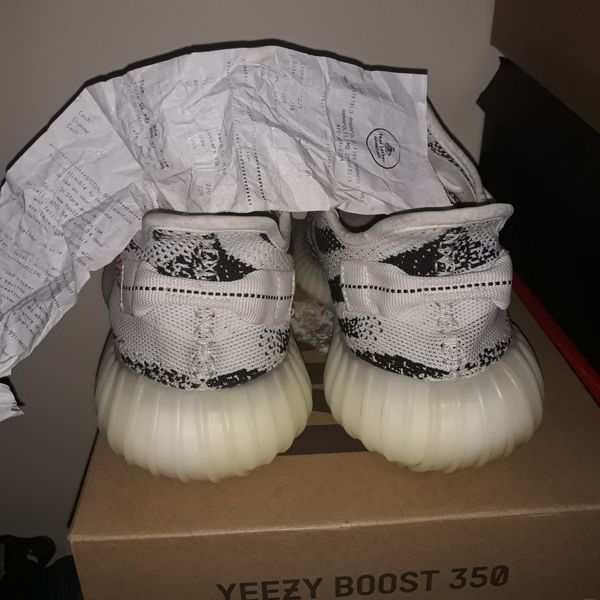 Yeezy boost 350 size 9.5