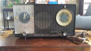 $50 *WORKS!* ANTIQUE VINTAGE ZENITH 727 CLOCK RADIO. Cheapest price on Ebay $70! AM/FM ALARM. POWER CORD. TESTED for Sale in Monterey Park, CA