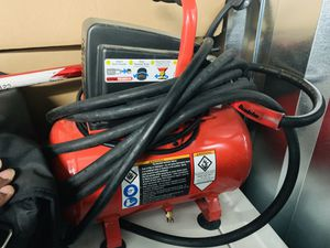 Air compressor with hose(Works Great) for Sale in McDonough, GA