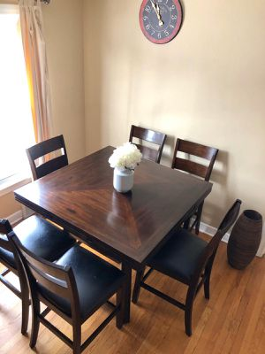 Dining Room Table for Sale in Chicago, IL