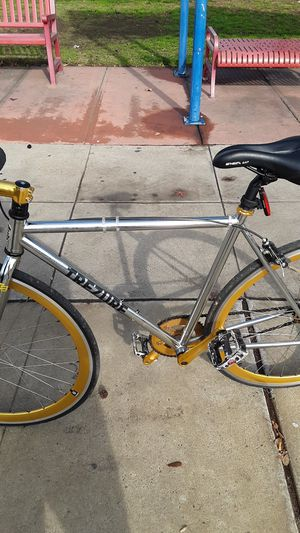 Trezure,fixe,road bike for Sale in Fresno, CA