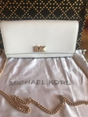 MK crossbody for Sale in San Fernando, CA