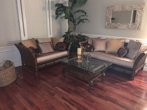 Living room set (6 piece sofa, loveseat, coffee table, end table and console table) for Sale in Tracy, CA