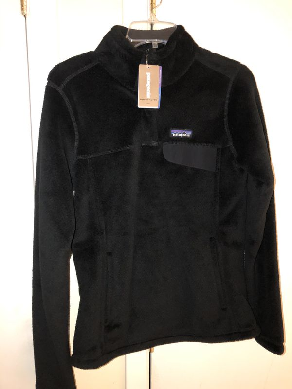 Authentic Patagonia black Women Re Tool Snap-T P/O Slum Fit. Brand new, never worn size Small.