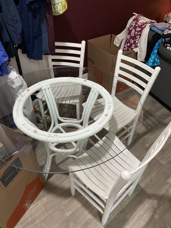 Beach Style Table With 4 Chairs For Sale In Jacksonville