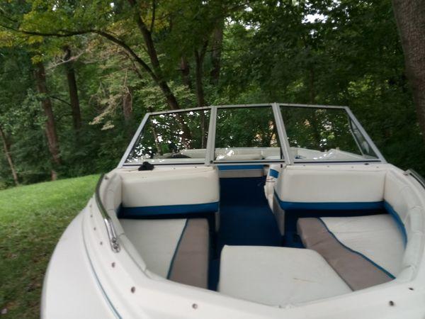 Bayliner 1998 motor boat fuel
