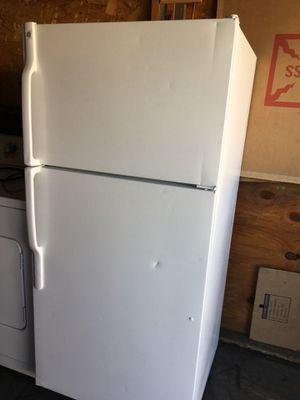 refrigerador muy bueno for Sale in Compton, CA