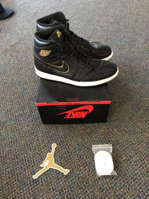 Air Jordan 1 I Retro High OG Size 10 Mens X great condition with box extra laces and Jordan sticker see photos for Sale in Mountlake Terrace, WA