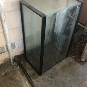 Large Fish Tank Reptile Tank 30 Gallon for Sale in Rancho Cucamonga, CA