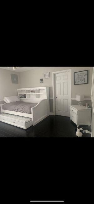 White Bedroom Set for Sale in Longwood, FL