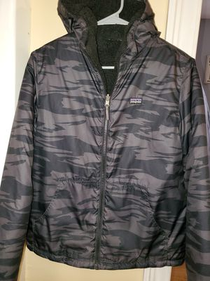Patagonia reversible... boys small. Womans mediano for Sale in Los Angeles, CA