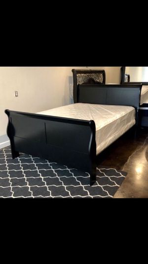 King black sleigh bed with mattress and free delivery for Sale in Mesquite, TX