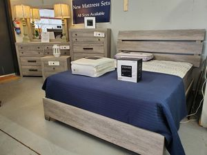 New gray platform style queen bedroom for Sale in Boiling Springs, SC