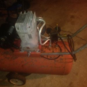 Craftsman 20 Gallon Dual Stage Compressor 110 for Sale in Mount Dora, FL