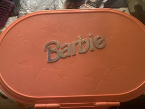 VINTAGE BARBIE TRAVEL HOUSE CASE for Sale in North Highlands, CA