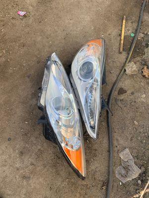 Hyundai Sonata 2011 headlights shoot offer for Sale in Arvin, CA