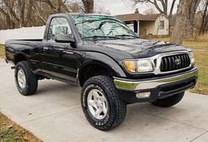 GOOD condition // TOYOTA TACOMA 2001 for Sale in Cincinnati, OH