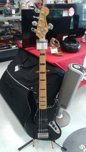 Squier bass for Sale in Pharr, TX