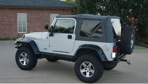 Clean•2OO5•Jeep•Wrangler• for Sale in St. Louis, MO