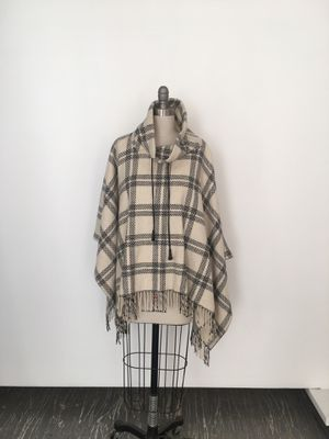 AT Loft Poncho Cream/Black for Sale in Troy, NY