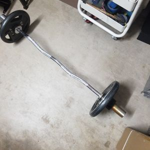 Ez curl bar, comes with 2 clips and 2-25 Lbs Plates for Sale in Fountain Hills, AZ