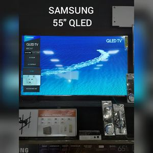 SAMSUNG 55 INCH TV QLED for Sale in Covina, CA
