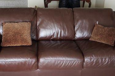 Brown Leather Couch With Pull Out Queen Bed for Sale in Pittsburgh,  PA