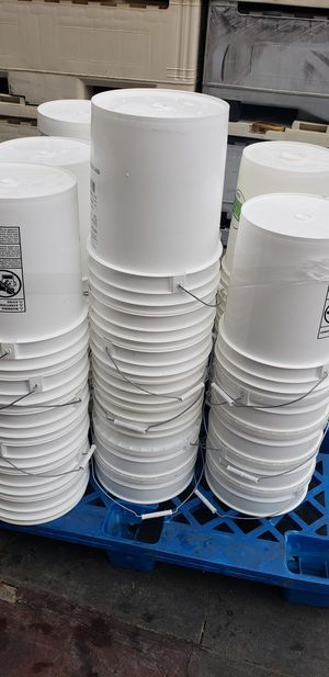 5 Gallon GL Buckets for Sale in Vista, CA