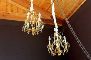 Antique Vintage Italian Gold Gilt Chandelier Lamp for Sale in Murrieta, CA