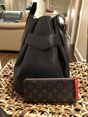 Authentic Louis Vuitton Sac DePaul and Adele Wallet for Sale in Takoma Park, MD