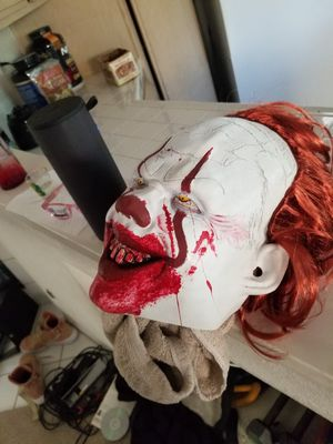 Pennywise latex mask really good detail for Sale in Riverside, CA