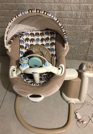 Graco Baby Swing for Sale in Brunswick, OH