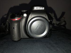 Nikon D5200 for Sale in Hyattsville, MD