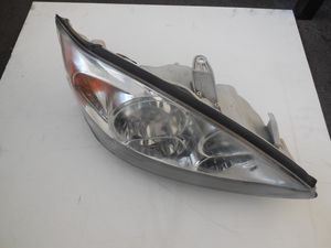 2002 TOYOTA CAMRY RIGHT PASSENGER SIDE HEADLIGHT ASSEMBLY OEM for Sale in Sacramento, CA