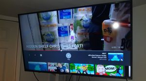 HISENSE 60 INCH WITH WALL MOUNT for Sale in Kent, WA