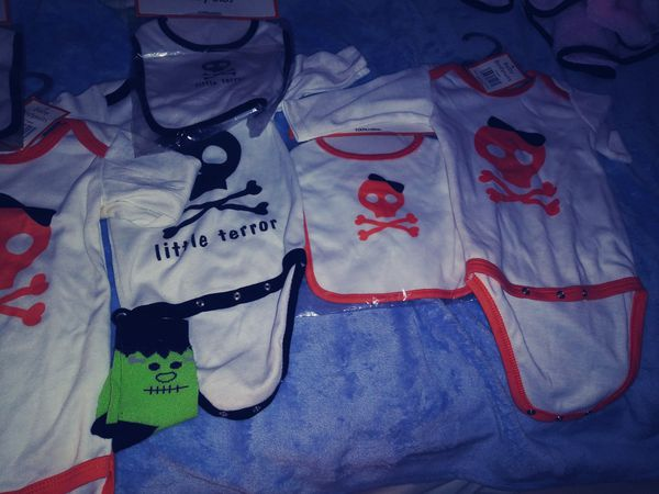 Brand new baby clothes bundle