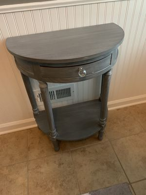 Side table for Sale in Shrewsbury, NJ