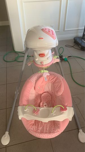 Fisher Price Baby Swing for Sale in Las Vegas, NV