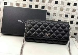 Black Leather Chanel Bag for Sale in Memphis, TN
