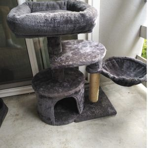 Cat Tree for Sale in Salinas, CA