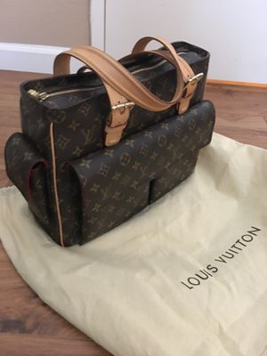 Authentic Louis Vuitton Purse for Sale in Palmdale, CA