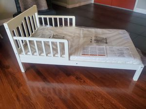 Toddler bed with matress for Sale in Huntington Beach, CA